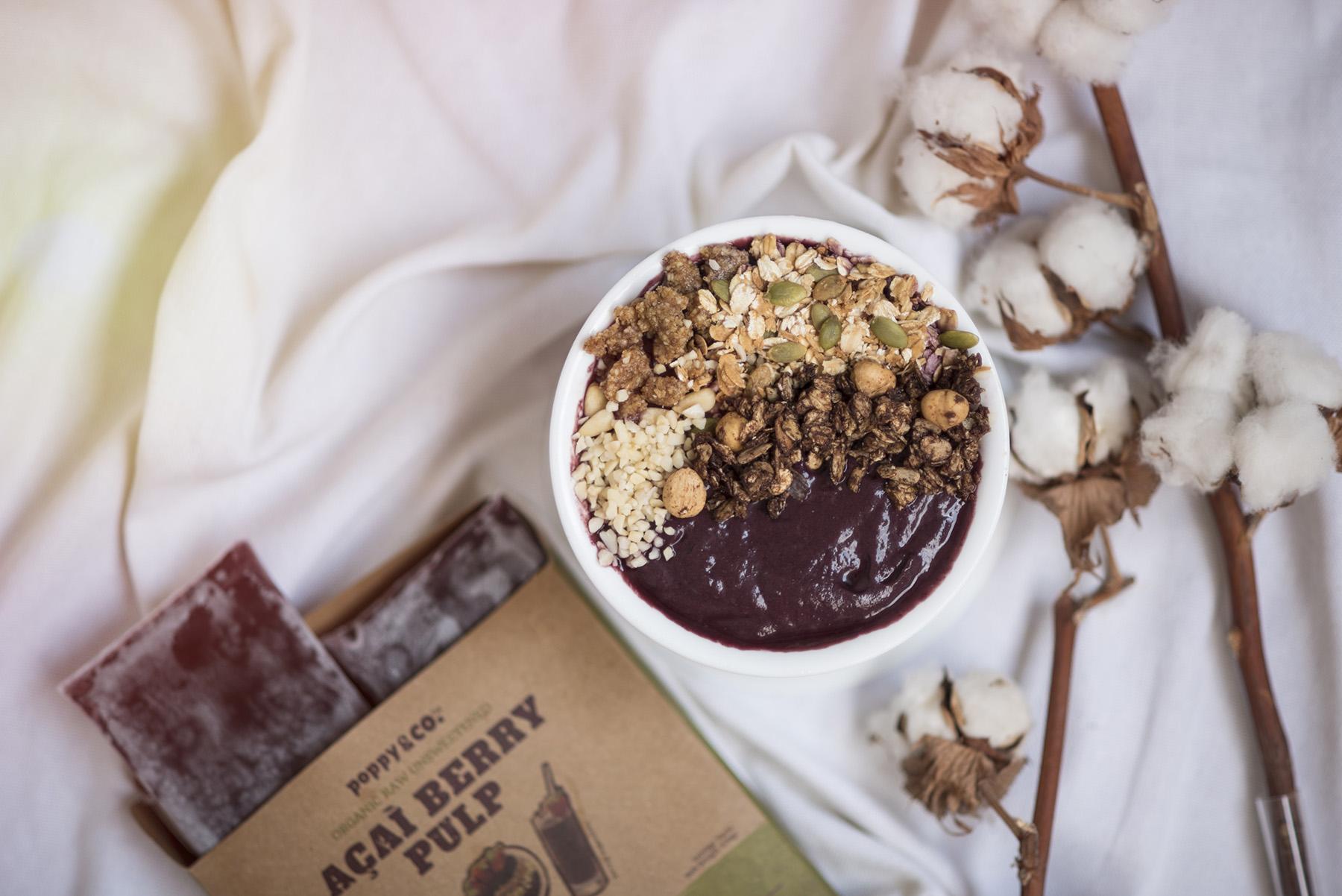 The Healthiest Delicious 5 Mins Açaí Breakfast Bowl