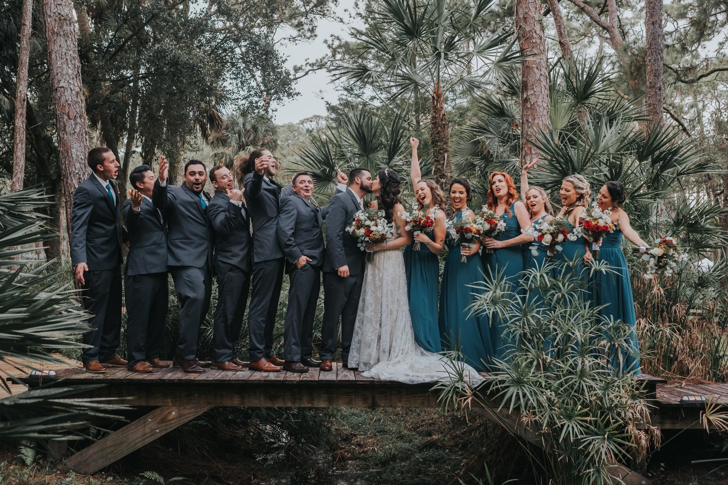 okeechobee wedding photographer-bridal party-sbvisionwedding-flweddingphotographer-palmettoo-wooden bridge