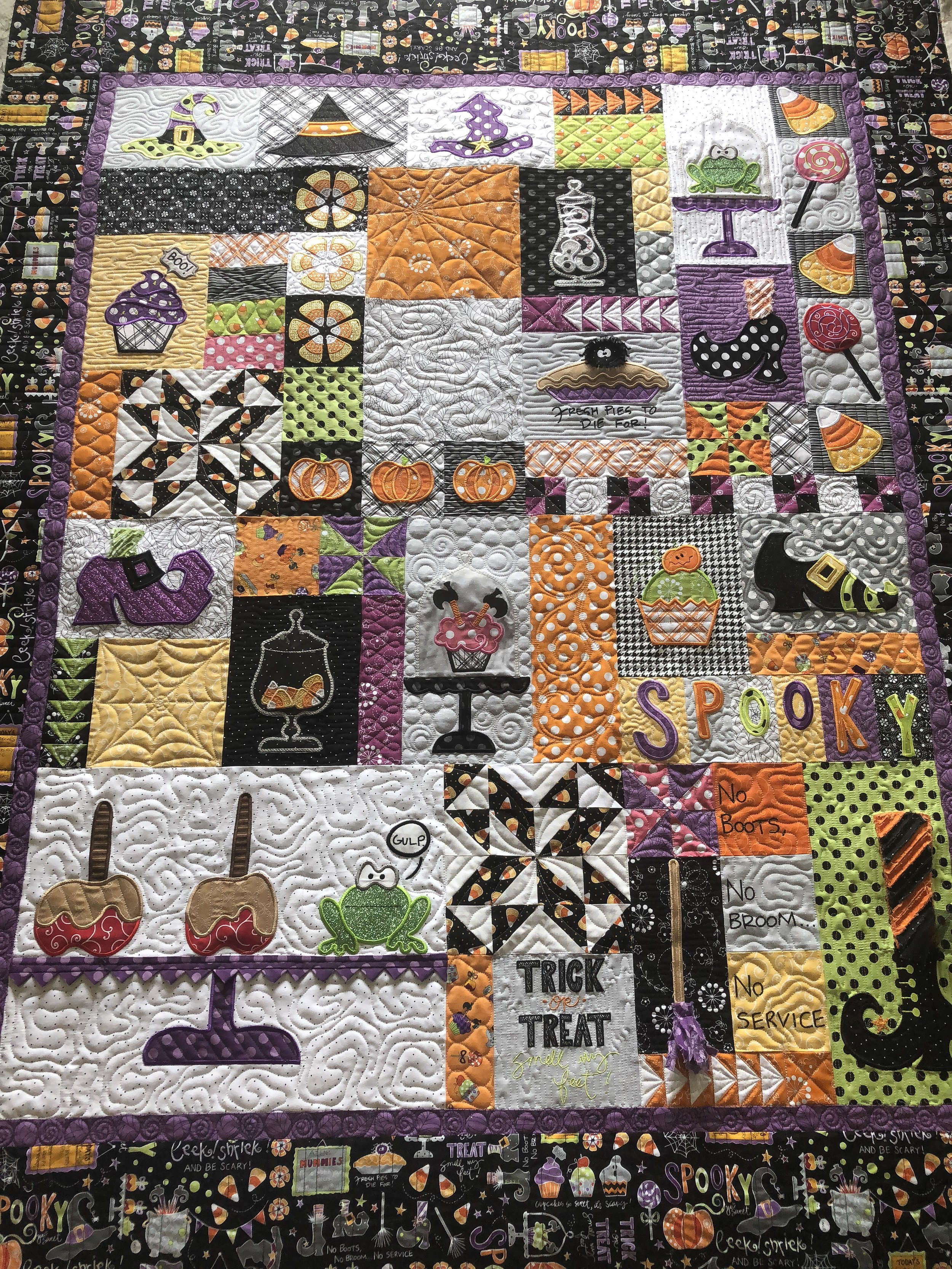 I wanted to add lots of textures throughout, repeating them here and there, to tie the quilting together.