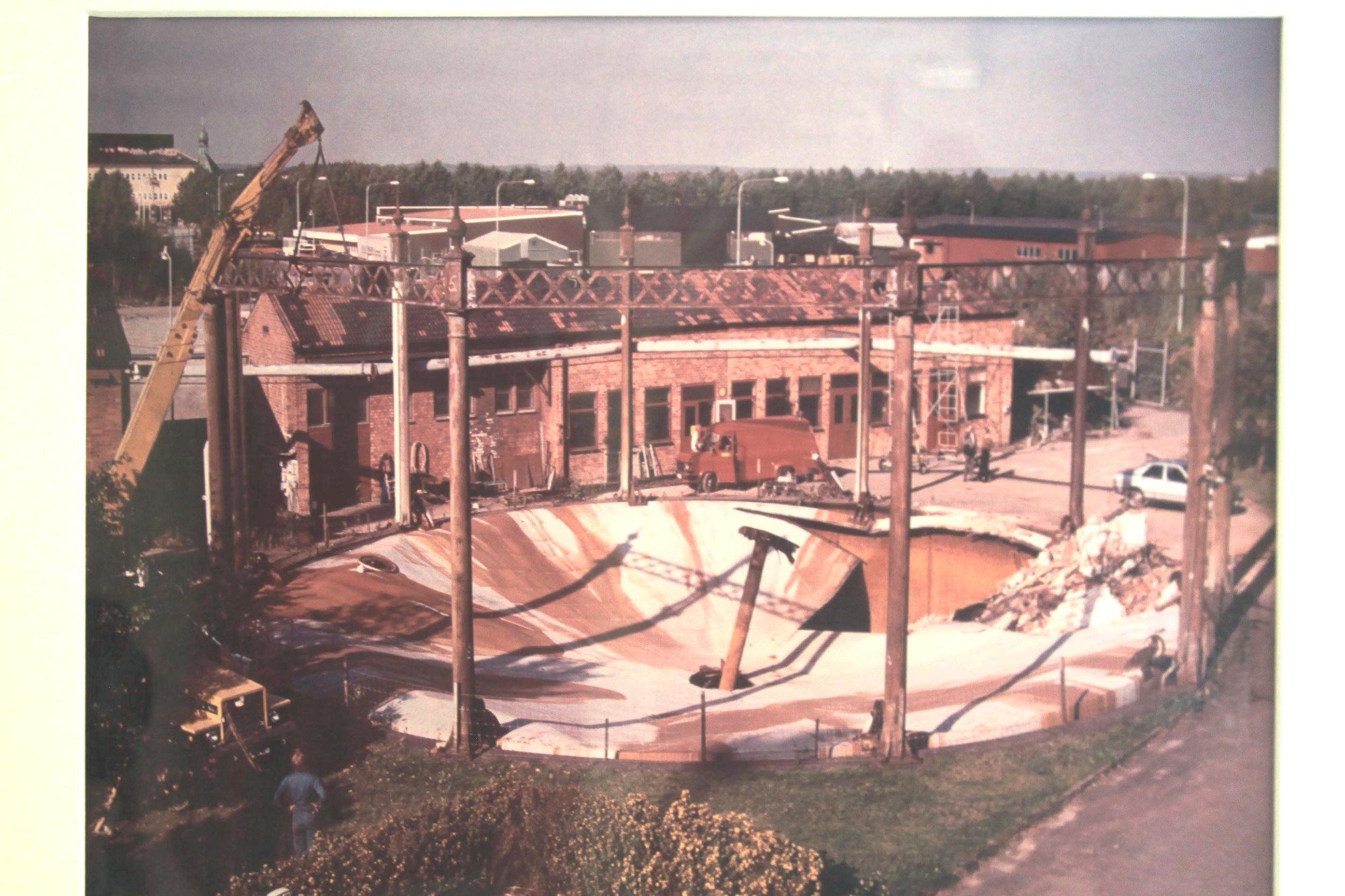 Rivning av det gamla spaltgasverket som togs ur drift 1998.