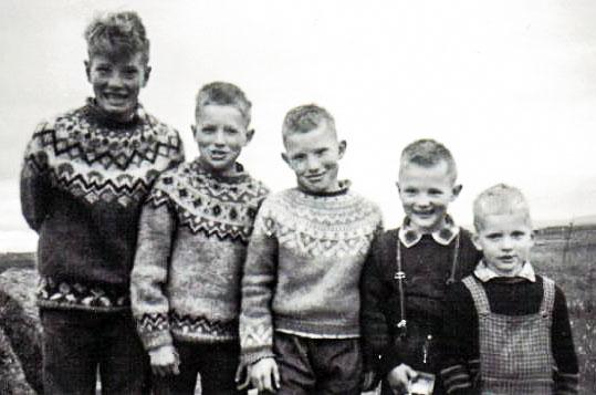 Ljósalandsbræður: f.v. Páll Eyþór, Einar Jörundur, Heiðar Ingi, Sveinn Sævar og Ólafur Unnar (mynd frá Heiðari og Páli)