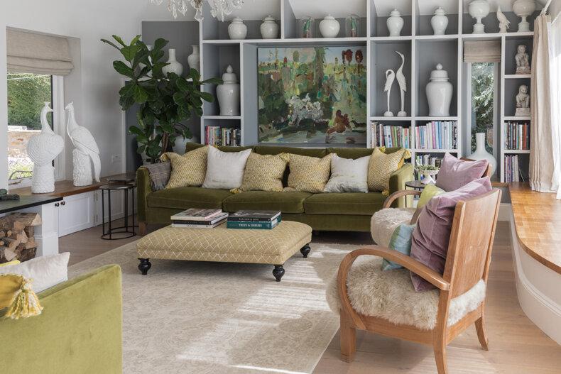 Living room display cabinet.jpg