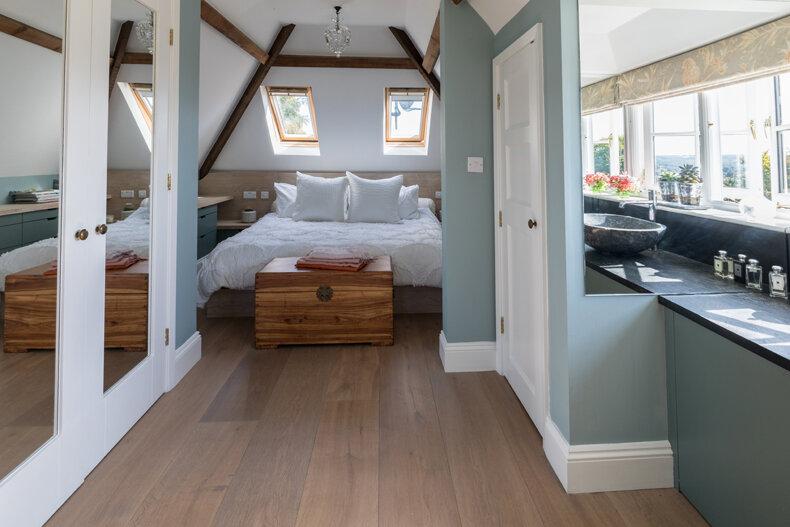 Master Attic bedroom.jpg