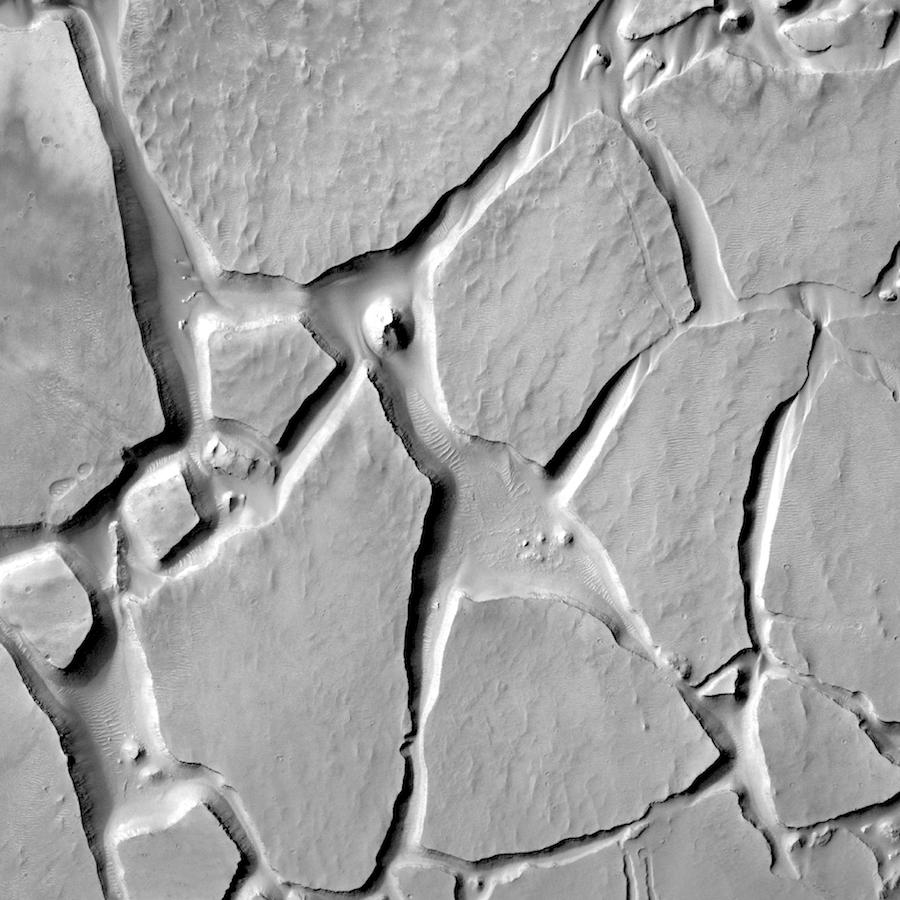 Chaos terrain in Candor Chasma. Image ~20 km across.