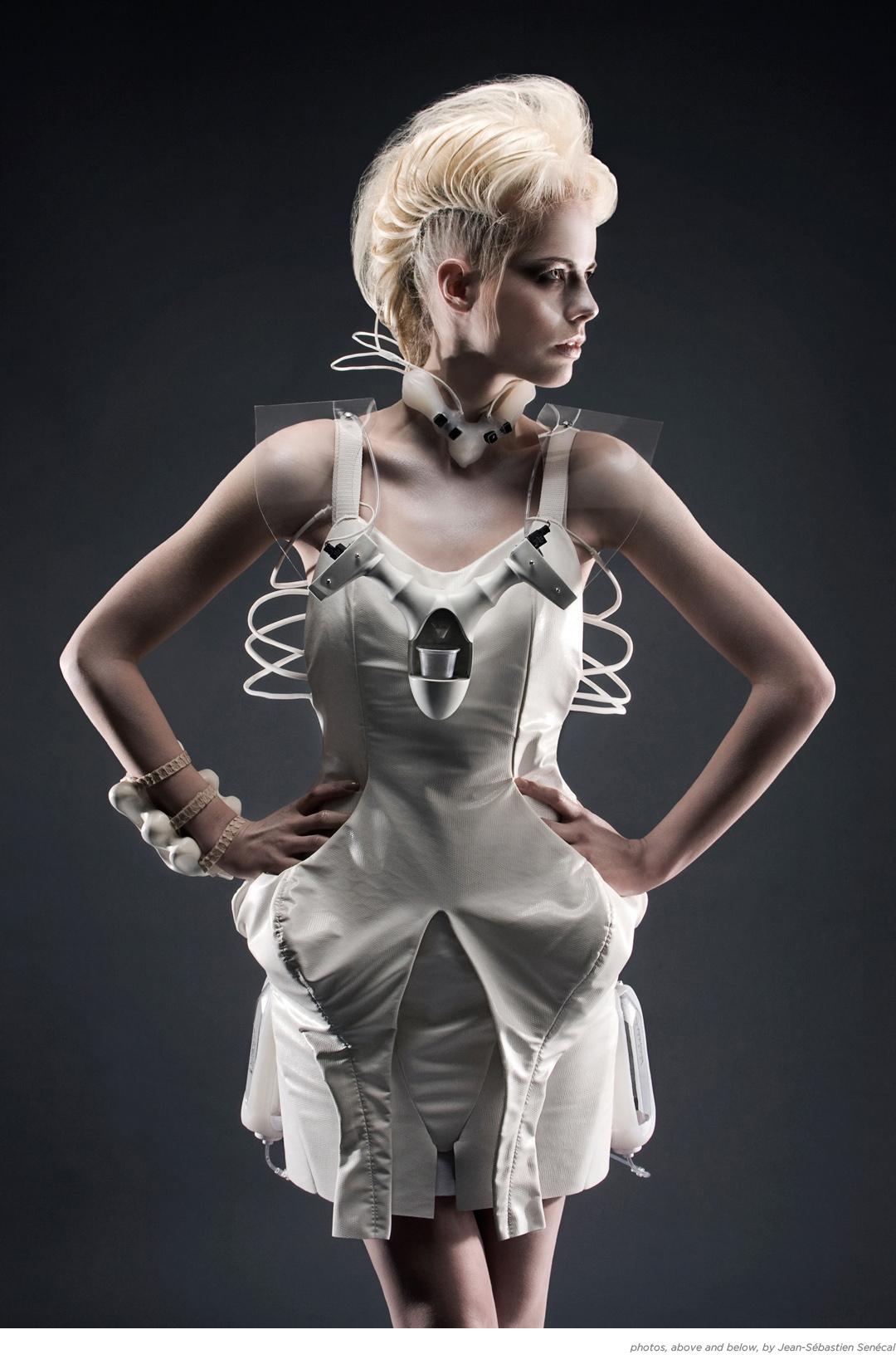 DareDroid 2.0 cocktailmaking dress