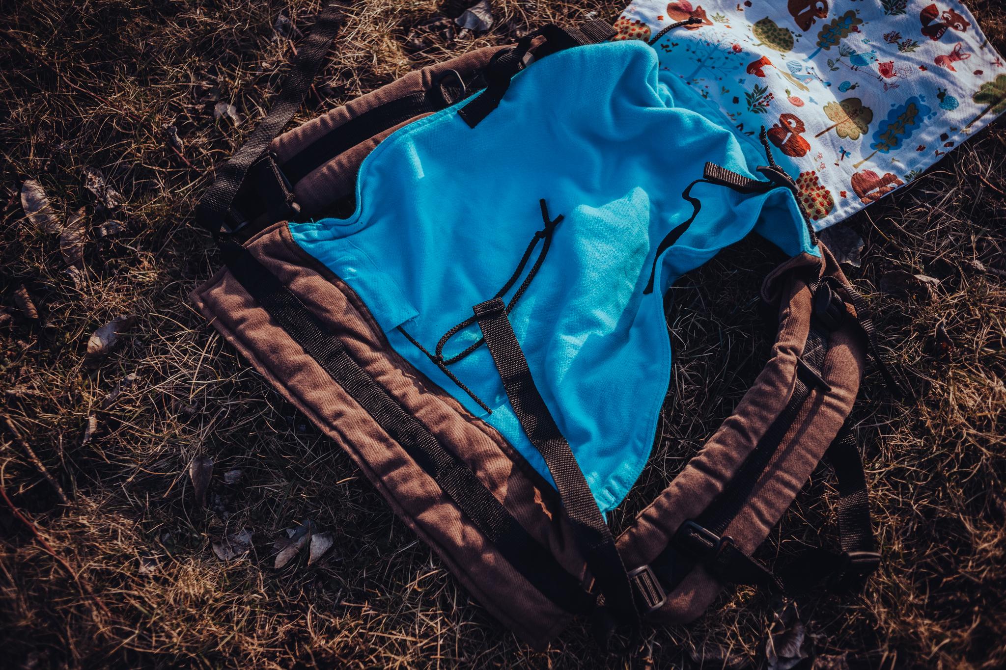 Huckepack Onbuhimo medium - Rückentrage (ohne Hüftgurt) mit gepolsterten Trägern und stufenlos verstellbarem Steg.Geeignet ab Gr. 68 bis Gr. 98.