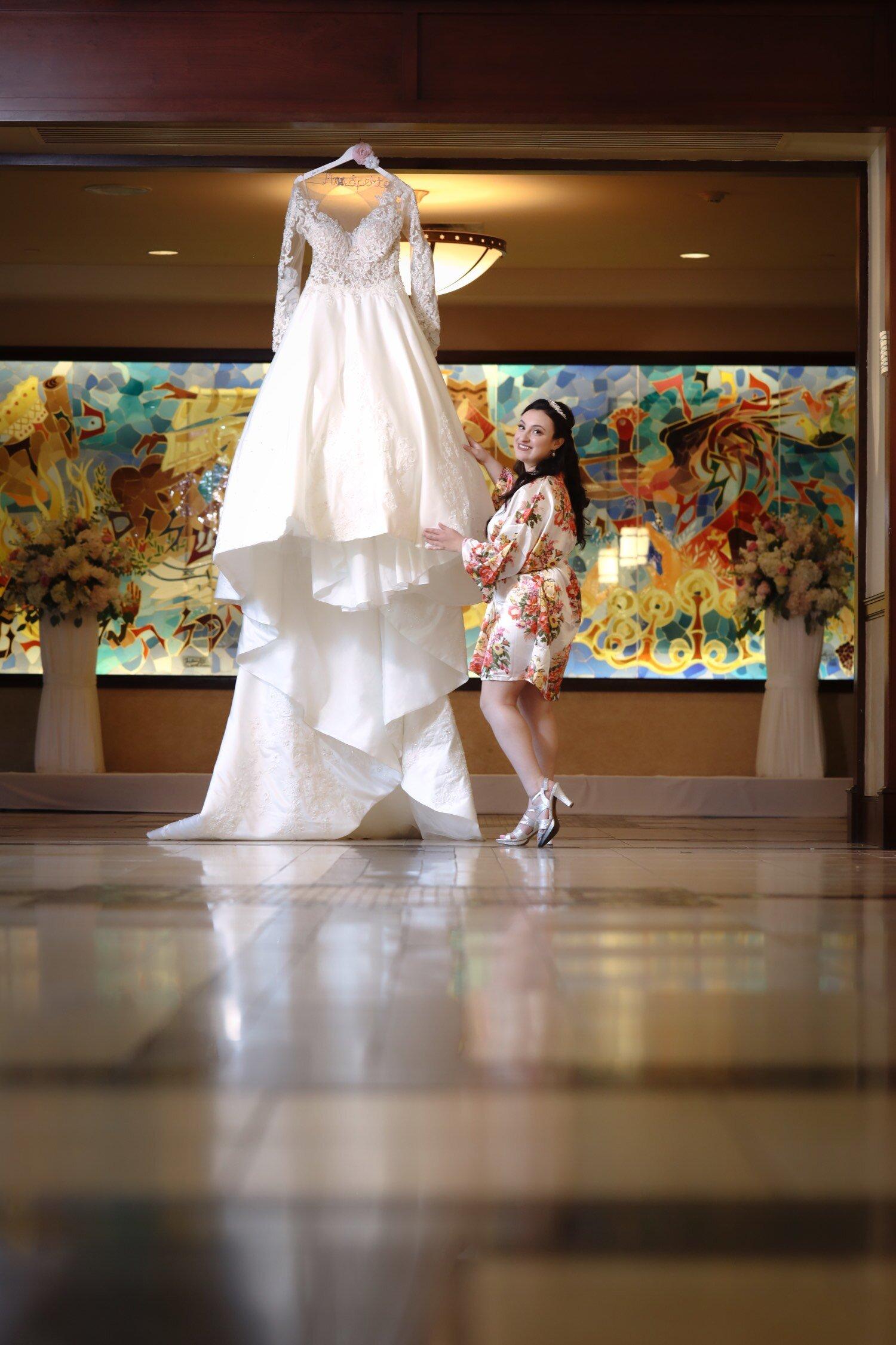 LightMaster_Studios-Curvy-bride-ad-unedited-1333.jpeg