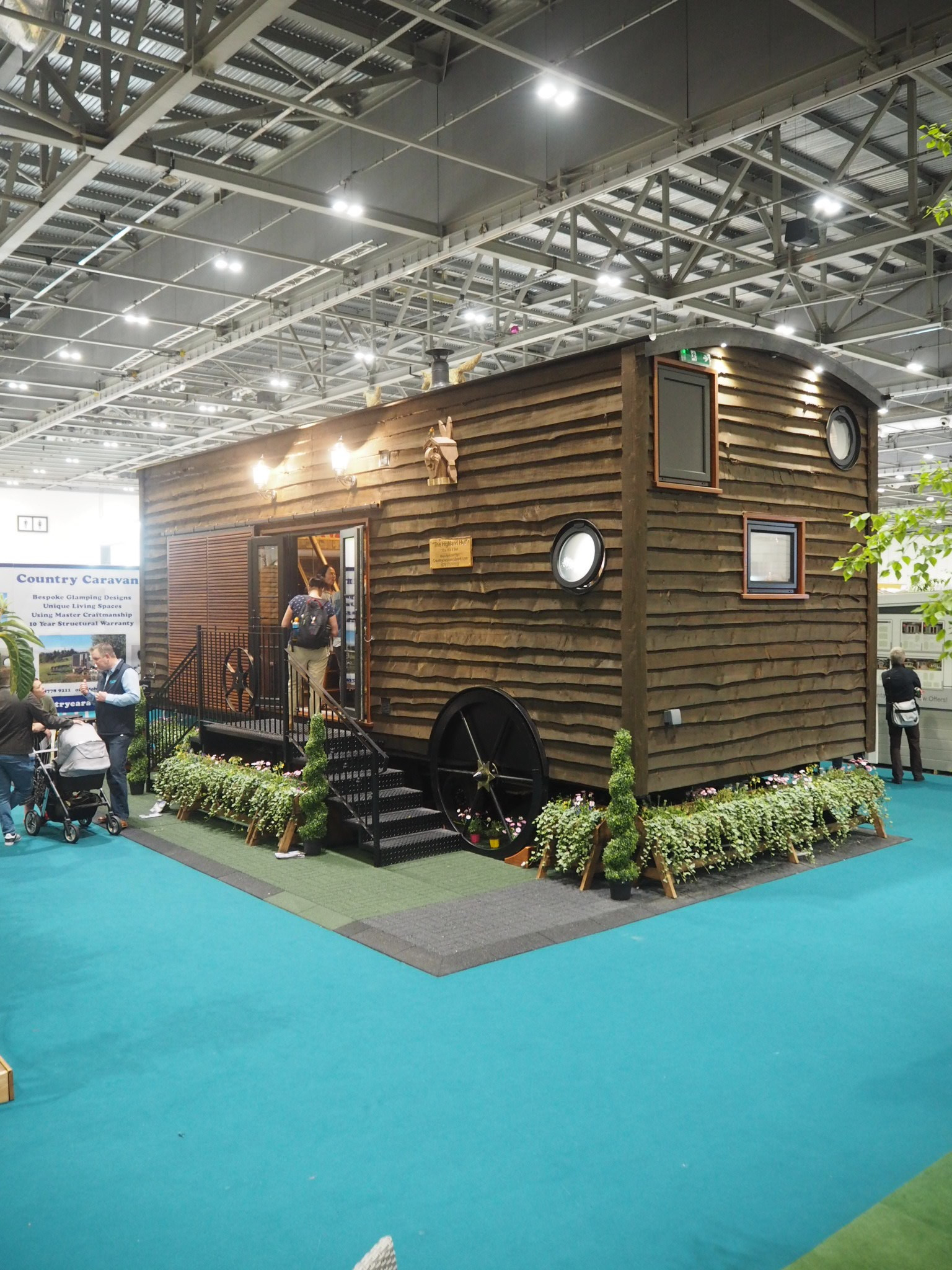 A very big man shed. How are they going to find their spanner in there?