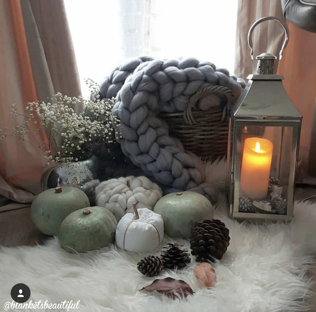 The epitome of cosy, a fabulous chunky knit throw by Blankets Beautiful - Instagram: @blanketsbeautiful