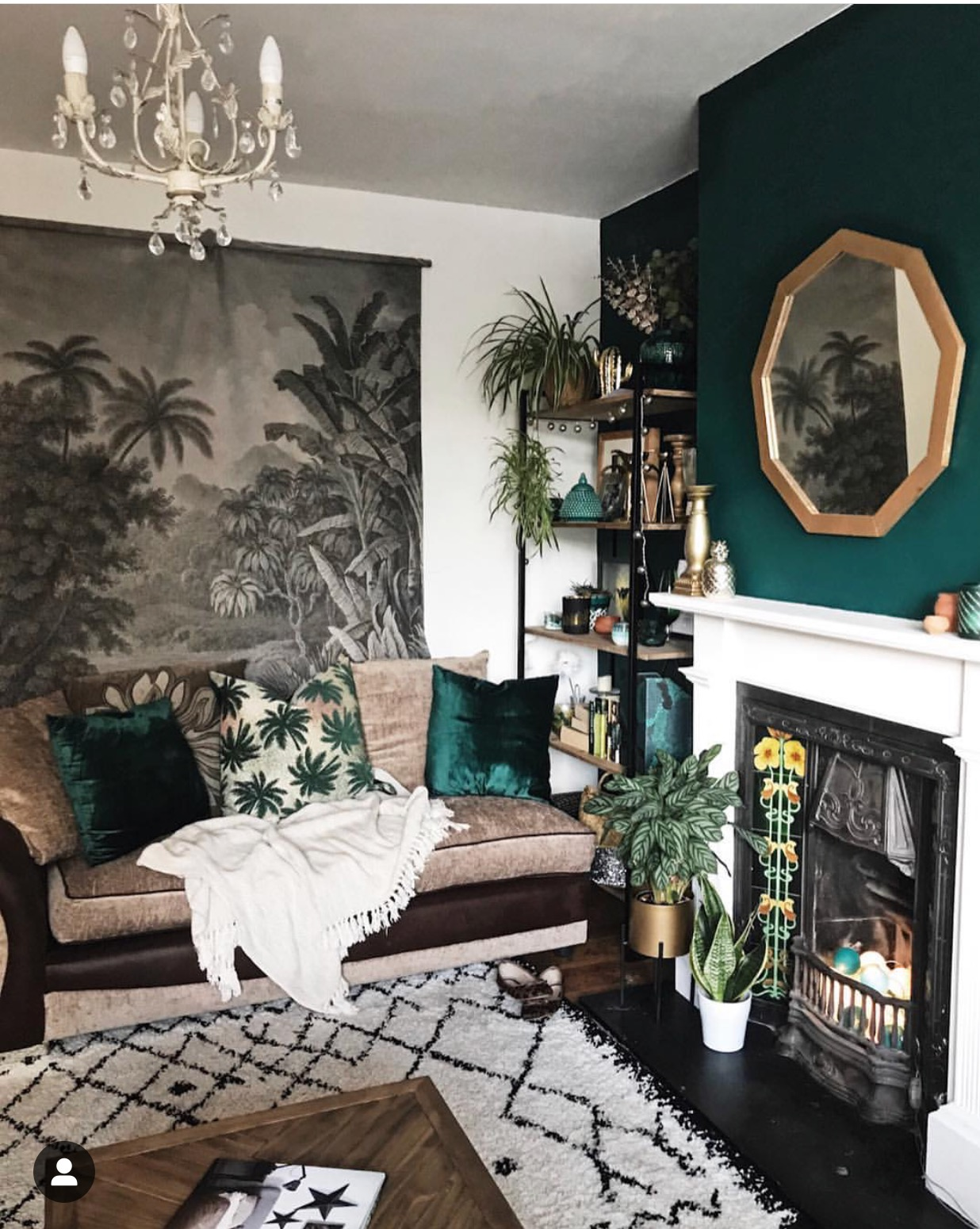 My favourite part of this room is my £3 charity find mirror. I love the gold against the green backdrop