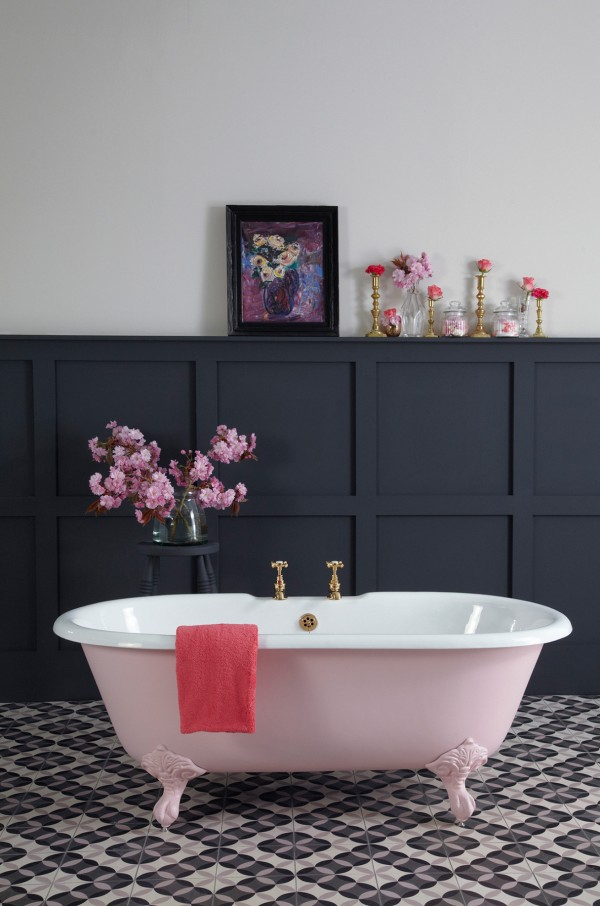 The pink roll top bath of dreams -  www.castironbath.co.uk