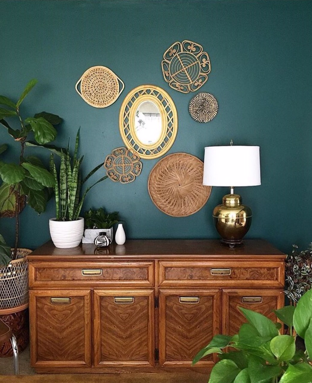 The most beautiful green and mid century furniture with wicker accessories -  @susiebrown