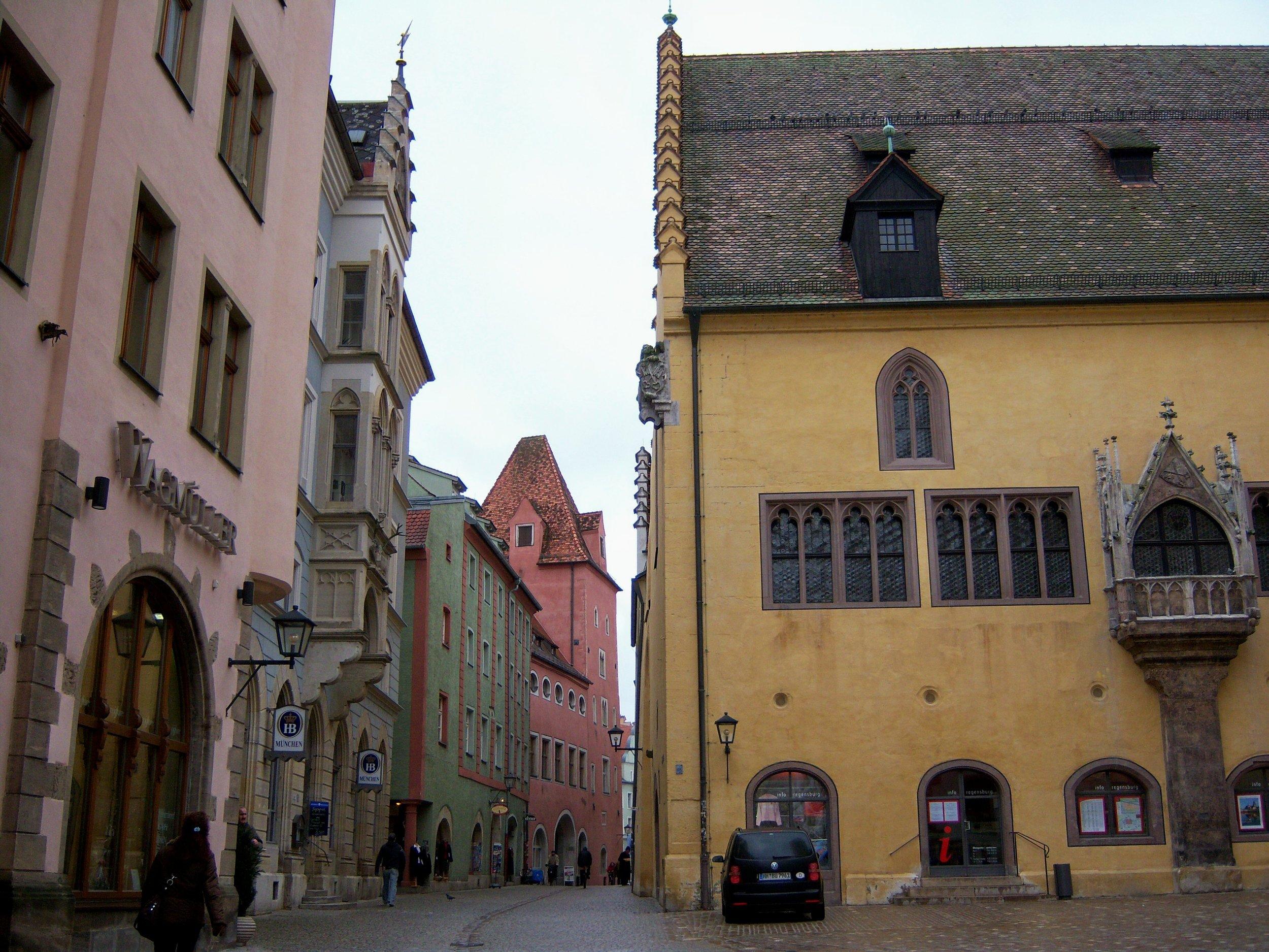 Regensburg_square.jpg