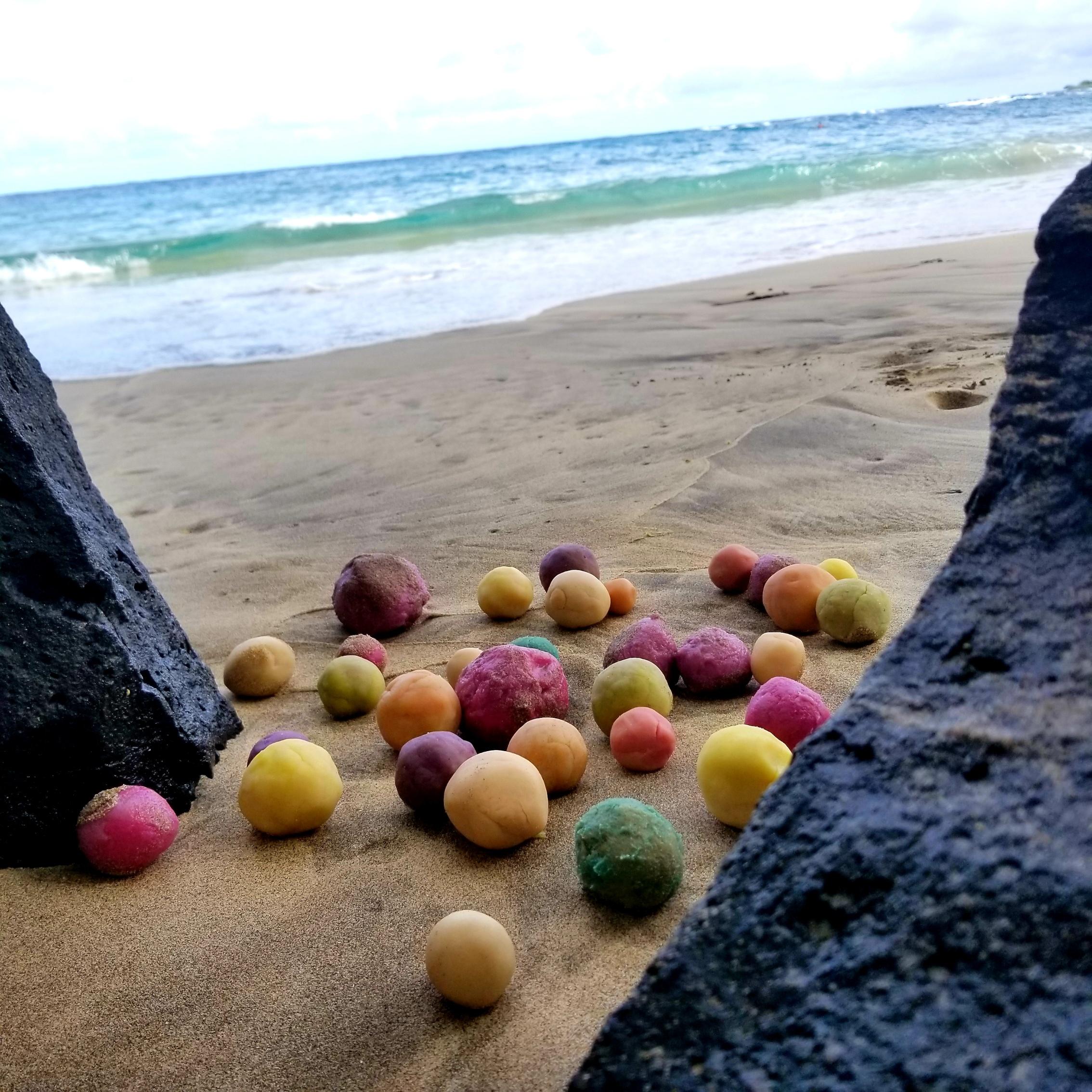 A little sand never hurt. Organic dough on Hamoa Beach, Maui, June 2018.