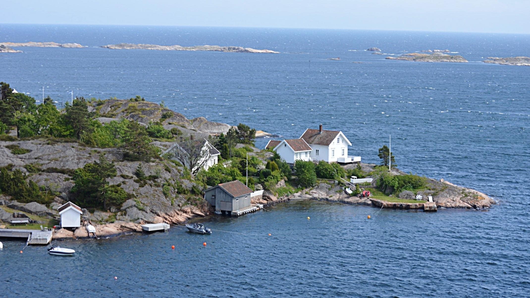 Måkeodden på Borøya og Sandskjærene.jpg
