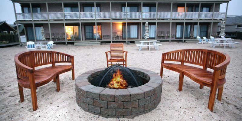 Sandbars Inn  on Cape Cod Bay