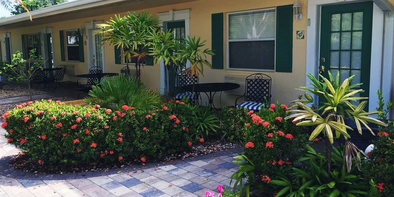 Marco Island Lakeside Inn  - Florida