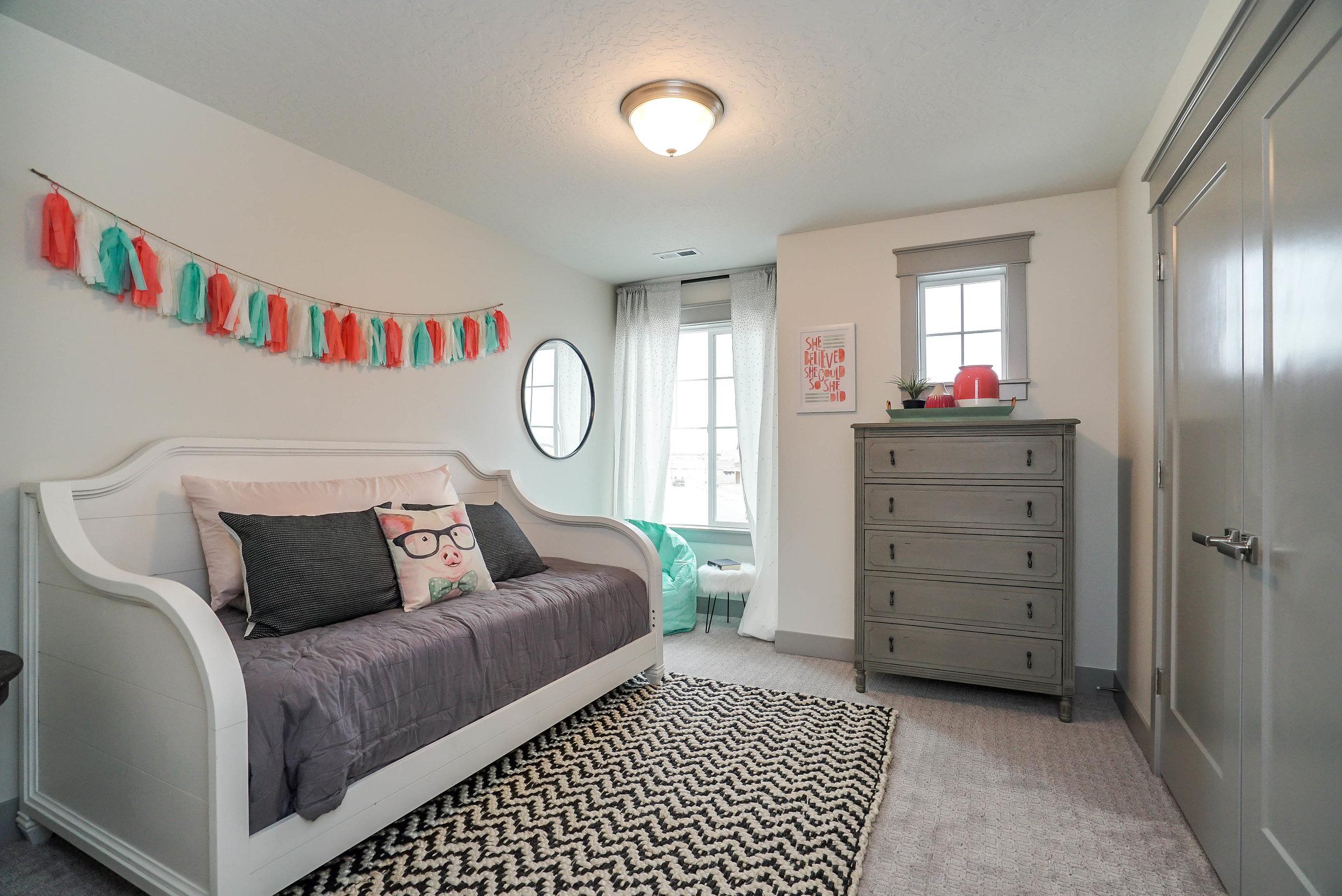 021_Bedroom.jpg