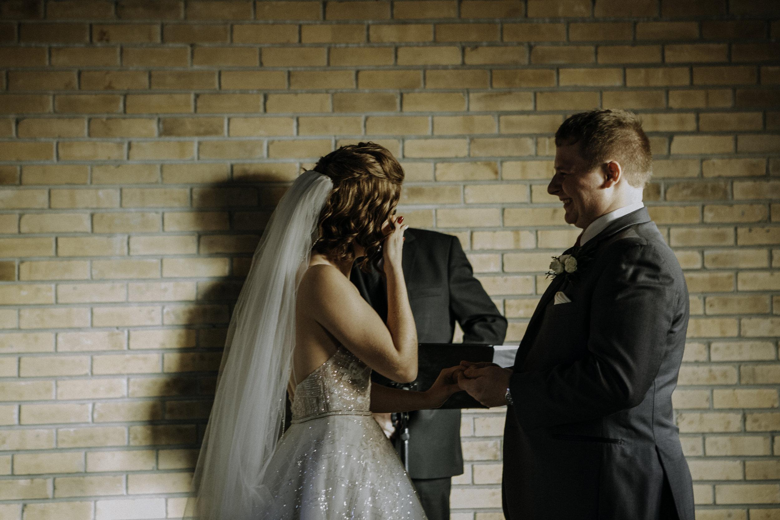 weddingcouplelove-58.jpg