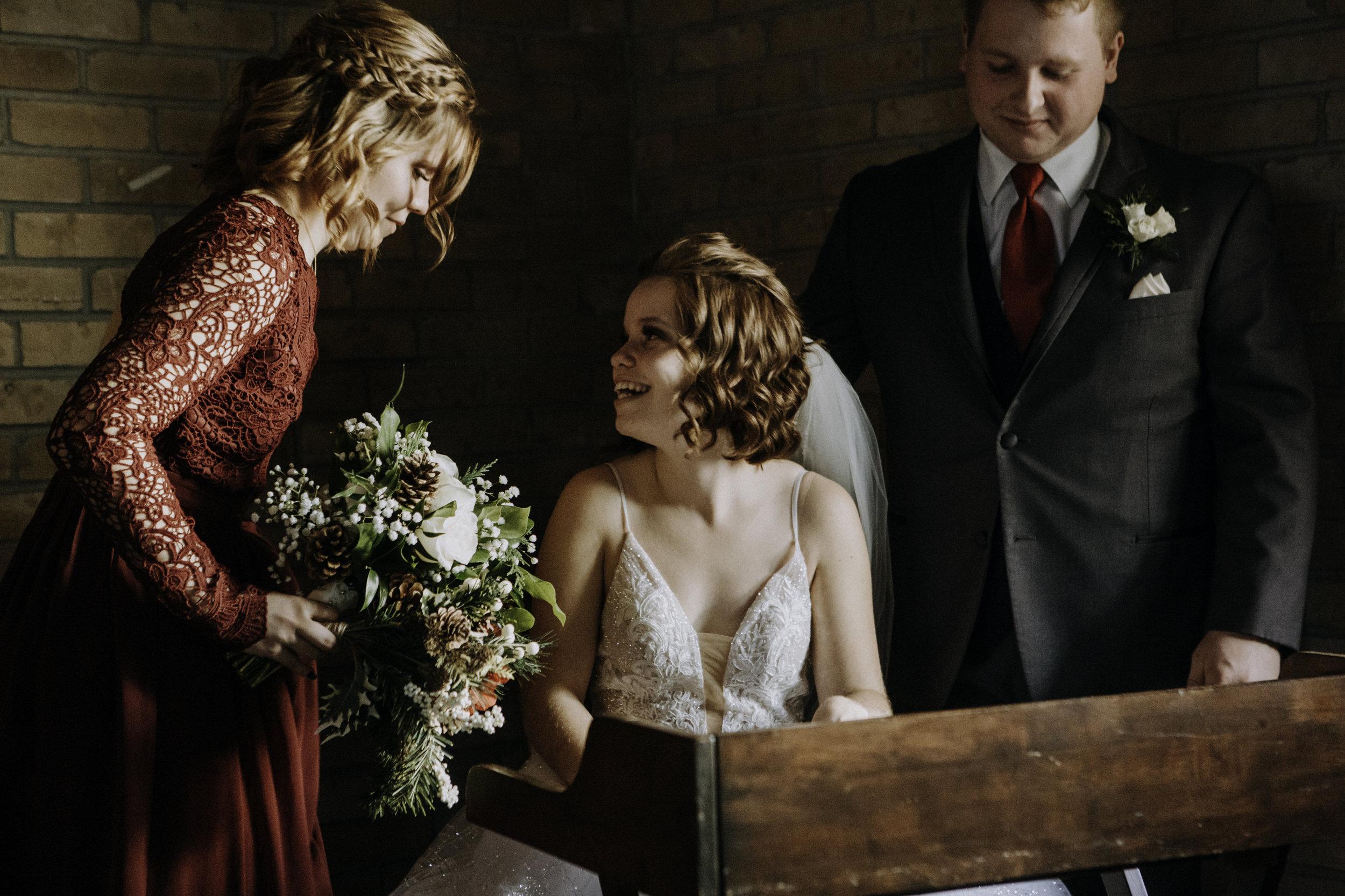 weddingcouplelove-73.jpg