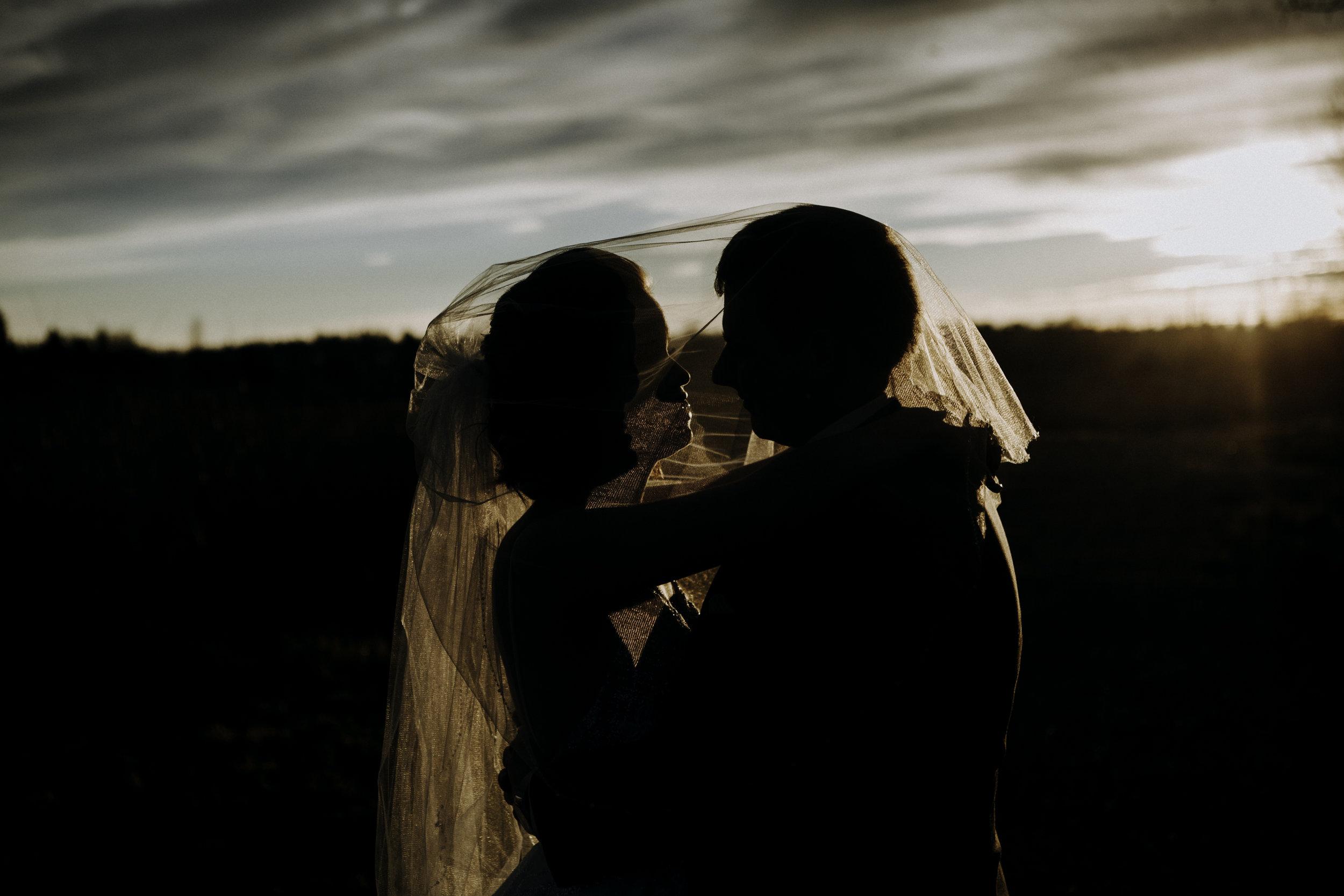 weddingcouplelove-115.jpg