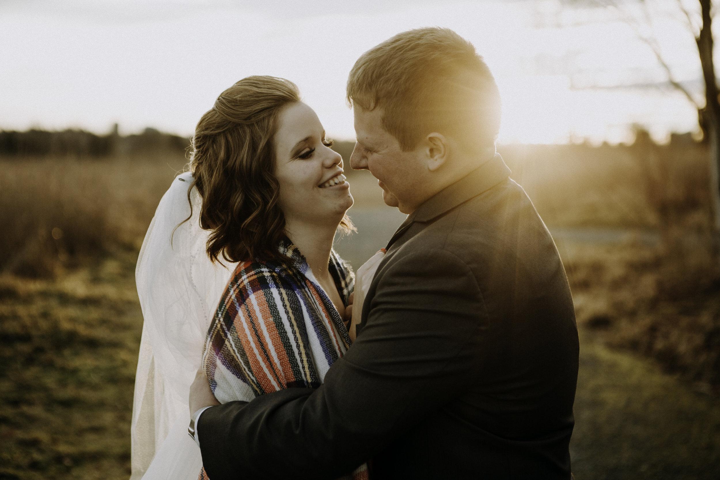 weddingcouplelove-194.jpg