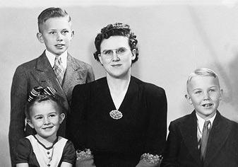 paast-bio-oaks-family.jpg