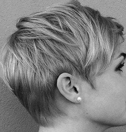 Asheville Hairstylist - Hair Babe Studio  Short layered pixie cut with blonde babylights