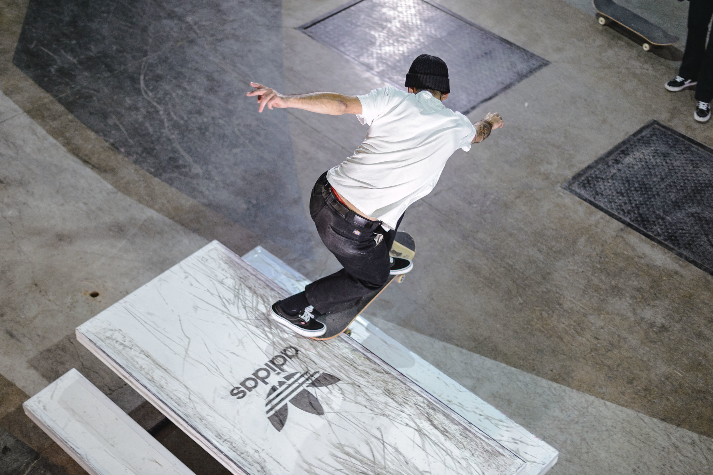 adidas x below skate jam -