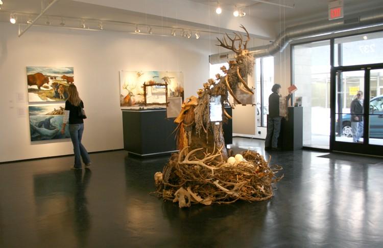 galleryshottowarddeskemail-750x487.jpg
