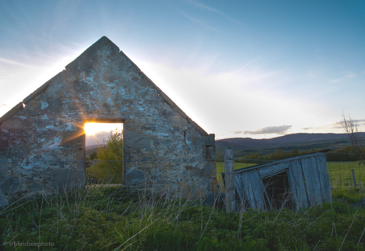 Soillerie House - Sunset over the derelict building at the back