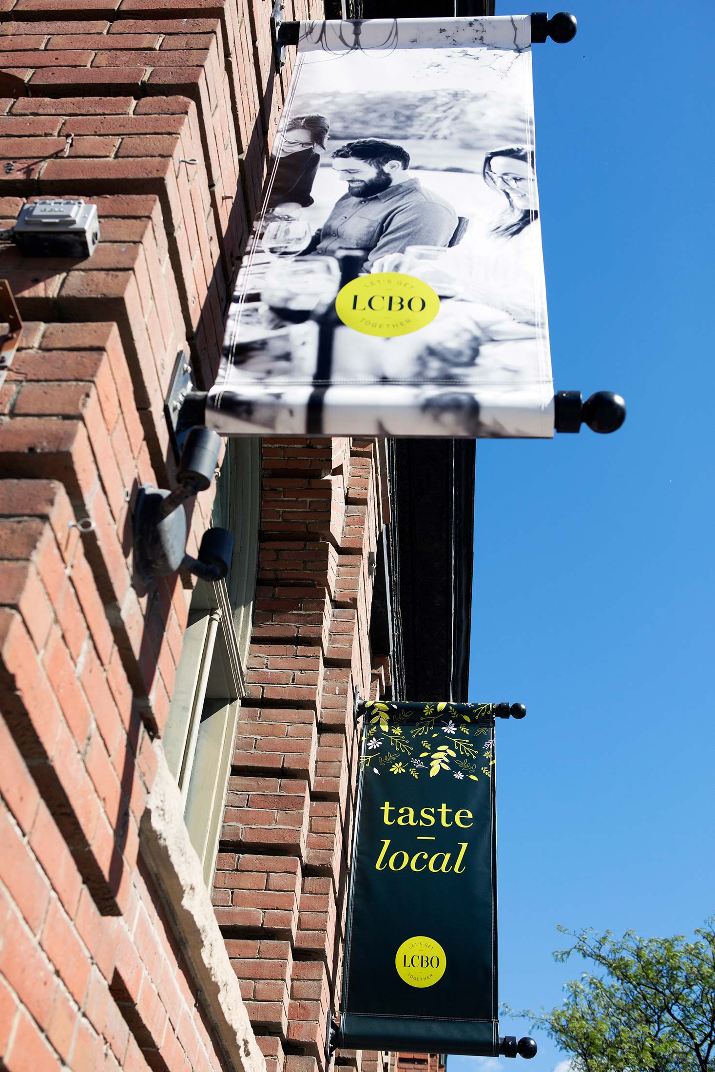 LCBO-vqa-pop-up-signage-Toronto-Sputnik-Design-Partners.jpg