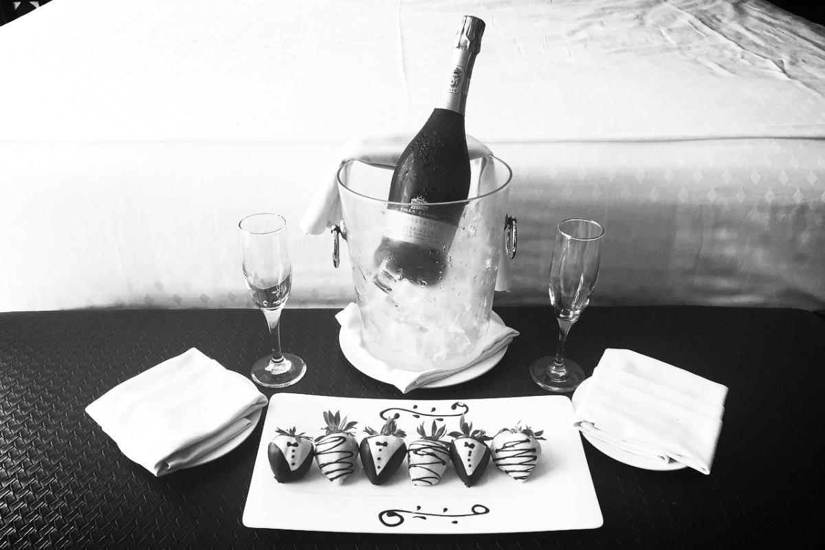 Champagne Strawberries 2.jpg