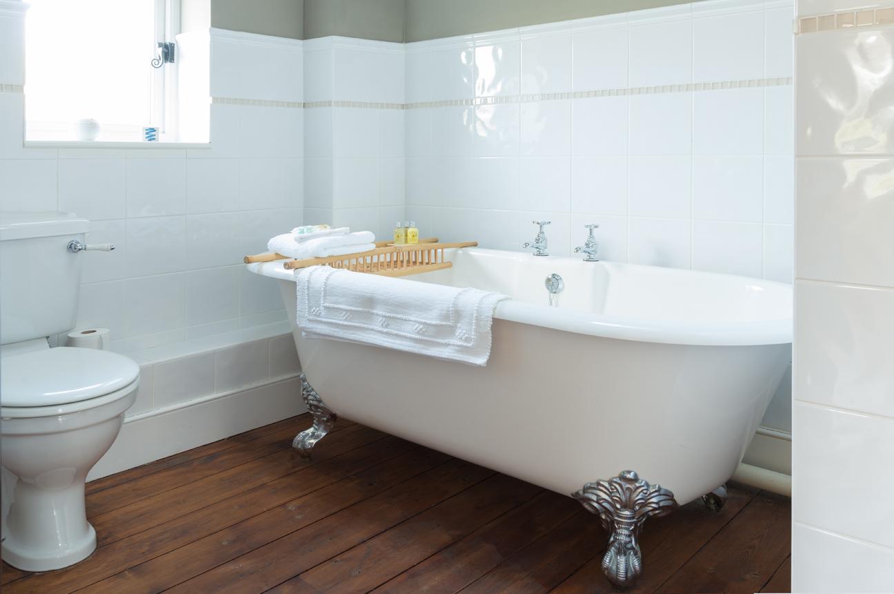bathroom_7_loyton.jpg