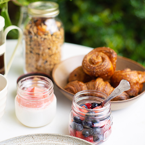 Loyton-Breakfast-fruit-yogurt.jpg