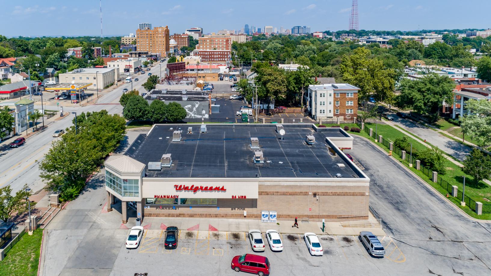 Walgreens on 39th-2.jpg