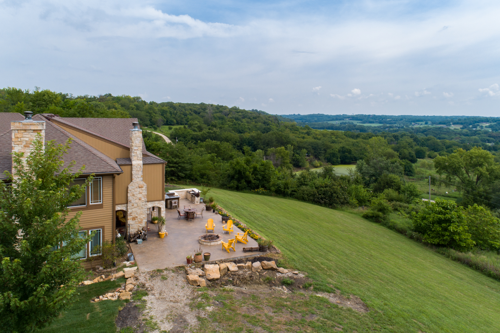 22528 Hatchell Rd, Tonganoxie_Picture KC-2.jpg