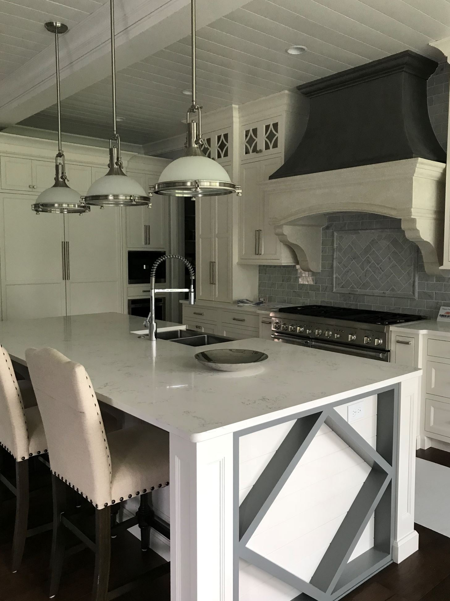 A recent rain storm caused a power outage, but that did not stop Jimmy Nash Homes from opening this impressive home for the tour!  If you would like to see a better photo of this fabulous kitchen Kitchen Concepts has it posted on their Instagram page @kitchenconceptsky