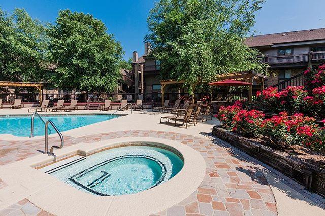 Pool views at Hickory Run Apartments 🏊🏻♂️ #nashville #nashvilletn #hendersonvilletn #pool #summer #nashvillerealestate #nashvillecommercialphotographer #nashvillecommercialrealestatephotography