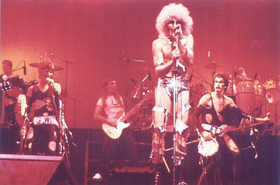 The Tubes, with 'Quay Lewd' out front