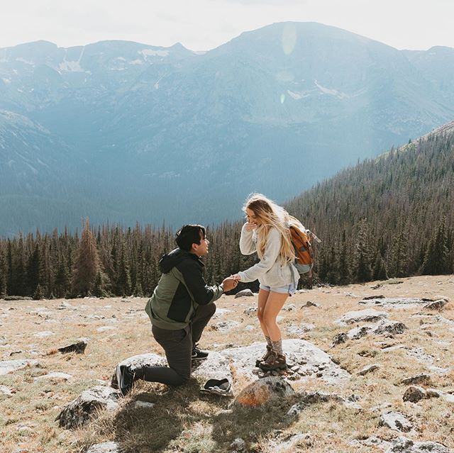Can't believe it. My sister @regosusana is engaged!!! Me and @situasian2 did good planning the perfect proposal (and picking the best ring) for her 💖💖