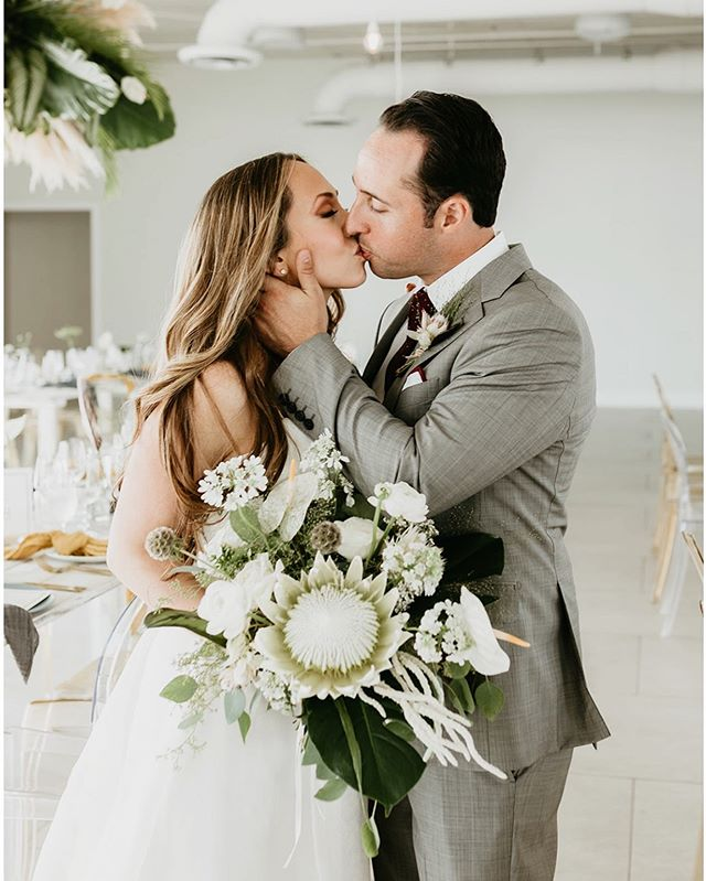This beautiful wedding is now featured on @greenweddingshoes and the excitement is real!!! Check the link in my bio to see and read about their wedding day. Planner: @thecreativesloft  Florals: @primroseflorals  Dress: @lovelybridemiami  Venue: @penthouserw  Mua: @celinabeachartistry  Rentals: @themixdish