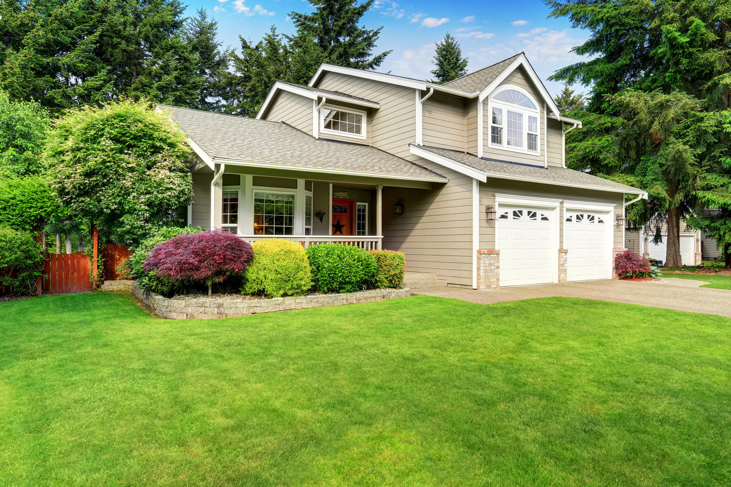 bigstock-American-House-Exterior-With-D-143109110.jpg