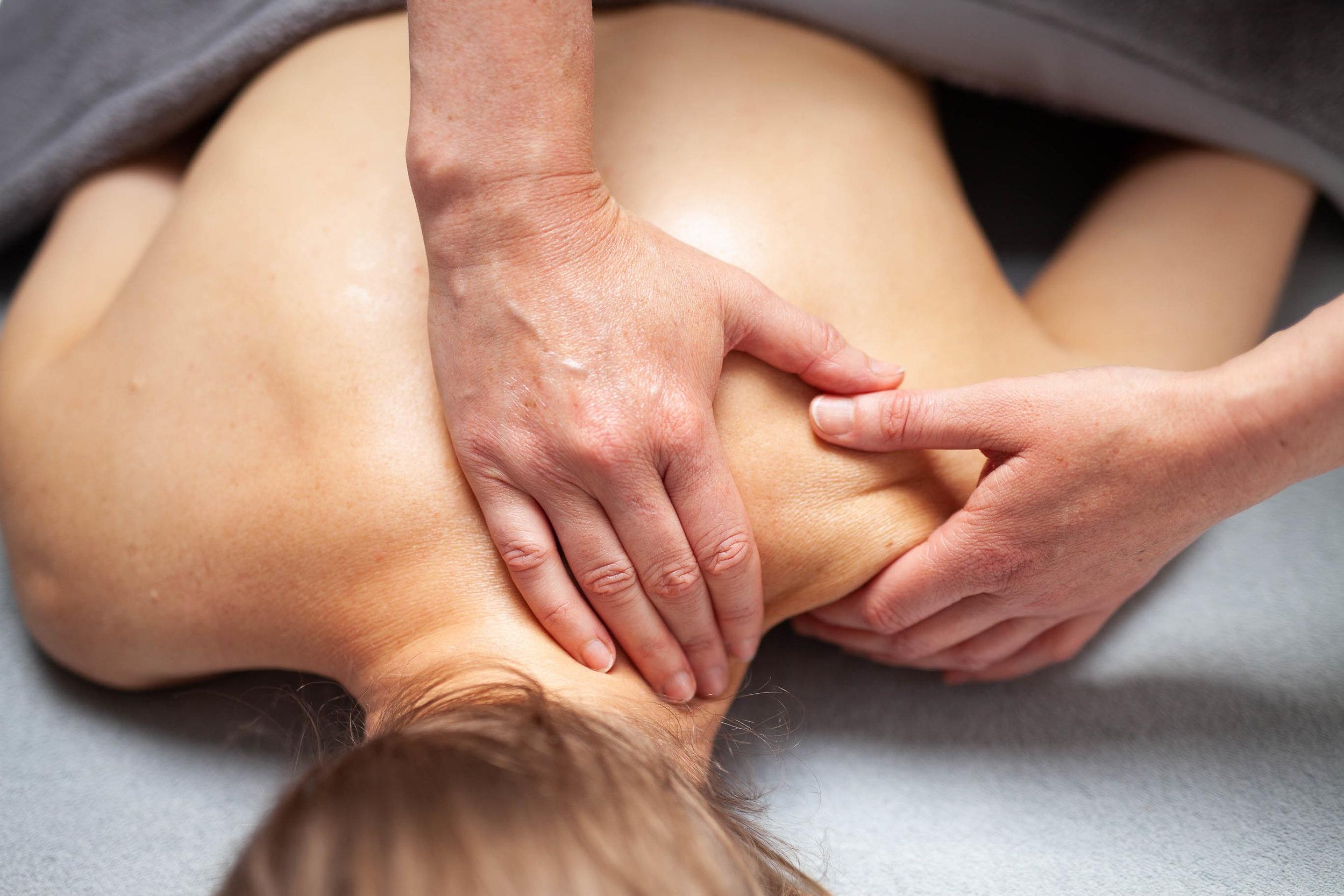 %C2%A9natashabidgood-lisa-massage-6529.jpg