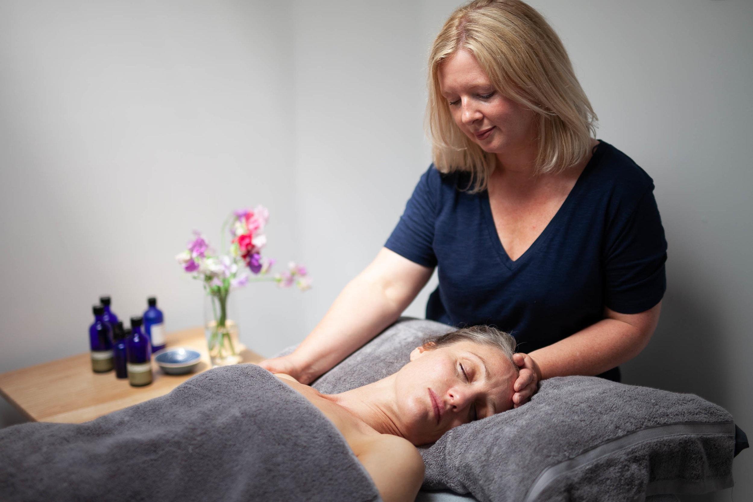 %C2%A9natashabidgood-lisa-massage-6599.jpg
