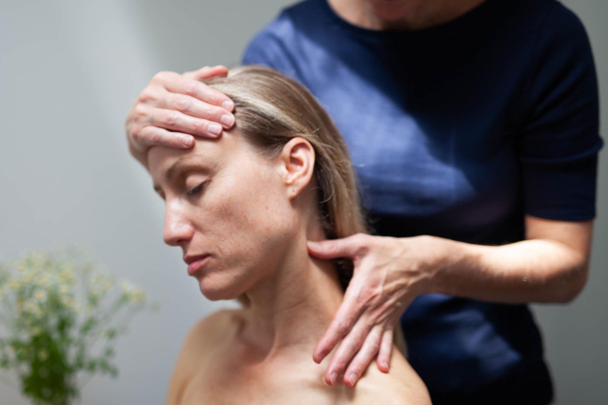 %C2%A9natashabidgood-lisa-massage-6725.jpg
