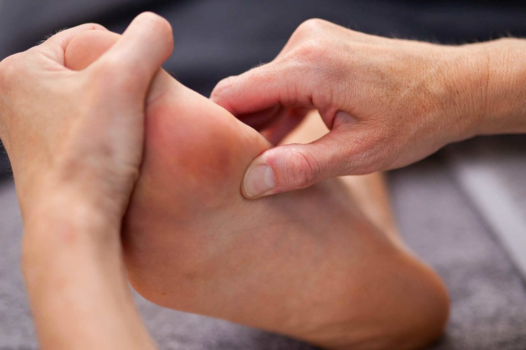 %C2%A9natashabidgood-lisa-massage-6802.jpg