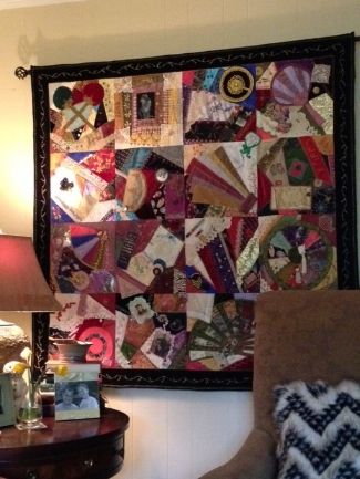 moms quilt in room