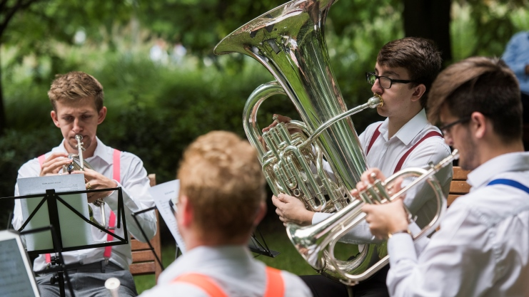 Lunchtime Classicals - Fridays 5, 12, 19, 26 July, 12.30pm-2pm, freeJubilee Park, Canary WharfA fun end to each week in July with a series of free pop-up gigs by Docklands Sinfonia. Grab yourself a sarnie and pull up a picnic blanket in Jubilee Park, seconds from Canary Wharf Tube.