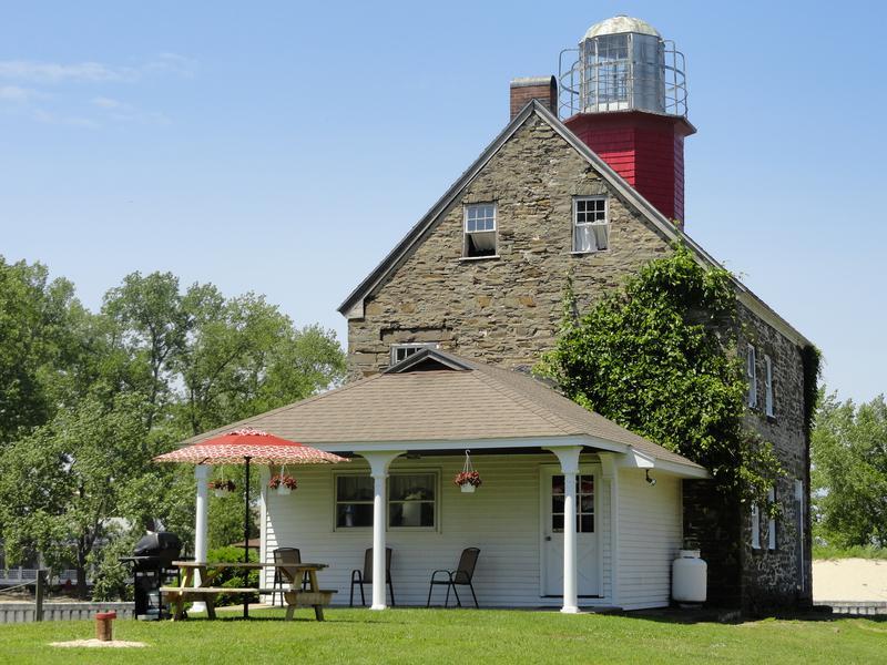 1838 Lighthouse